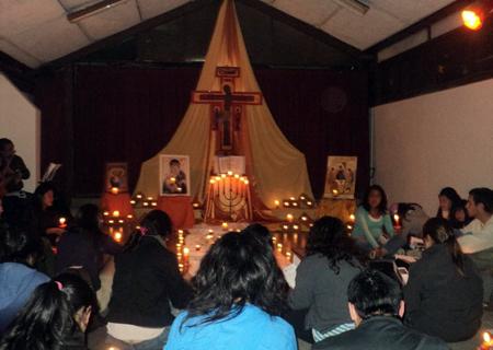 Jóvenes en oración: Vigilia por la paz